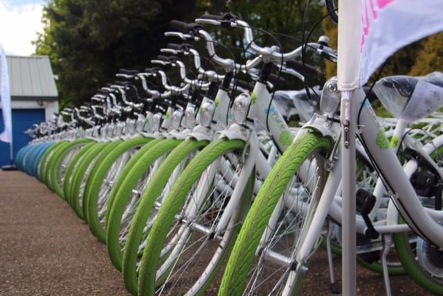 """Rotary Genk schenkt 36 fietsen aan Sint Vincentius voor het project """"Bike To Basic"""""""